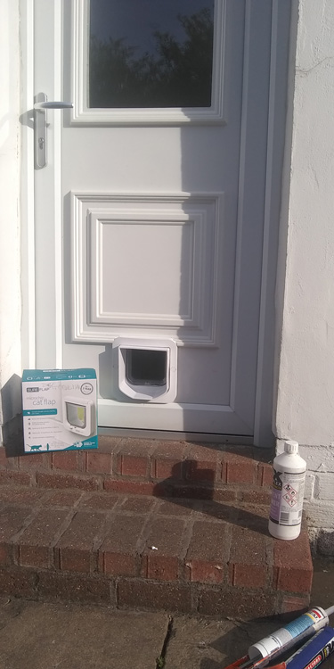 Cat flap fitters Heaton and Byker