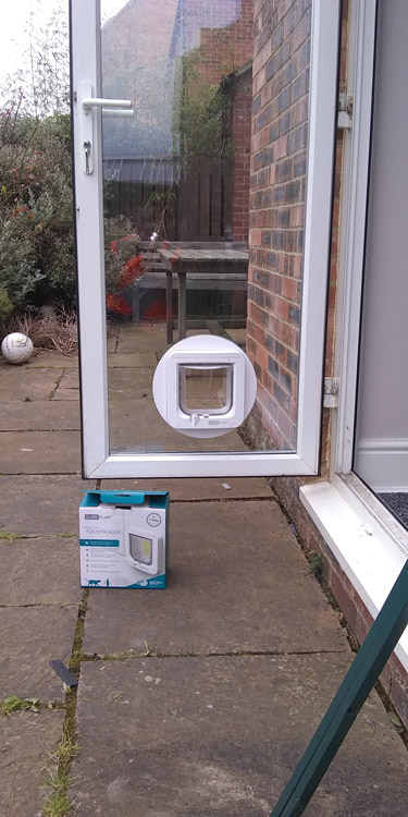 Cat flap fitters Wideopen and Gosforth