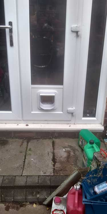 Cat and dog flap fitters Cochrane Park and Newcastle