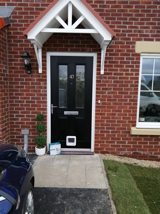 Cat flap fitters Clara Vale and Wylam
