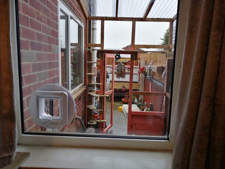 Cat flap fitters Hetton and Durham