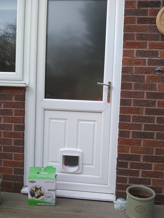 Cat flap fitters Ouston and Pelton