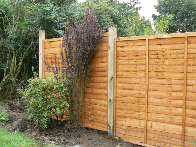 partially built fencing newcastle